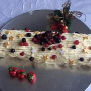 Bûche chocolat blanc fruits rouges