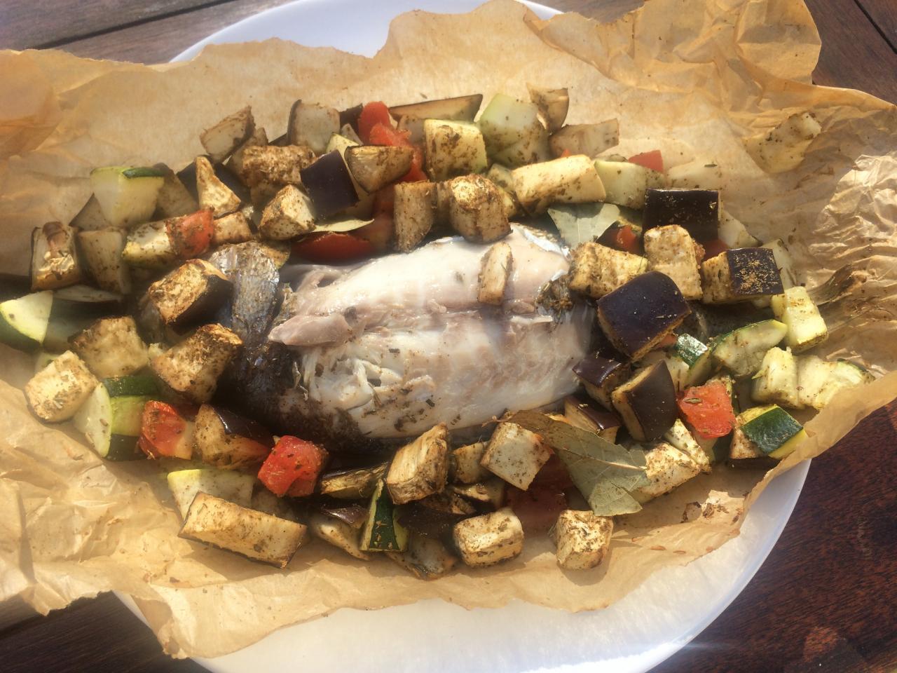 Daurade en papillote au gros sel et ses légumes à la provençale