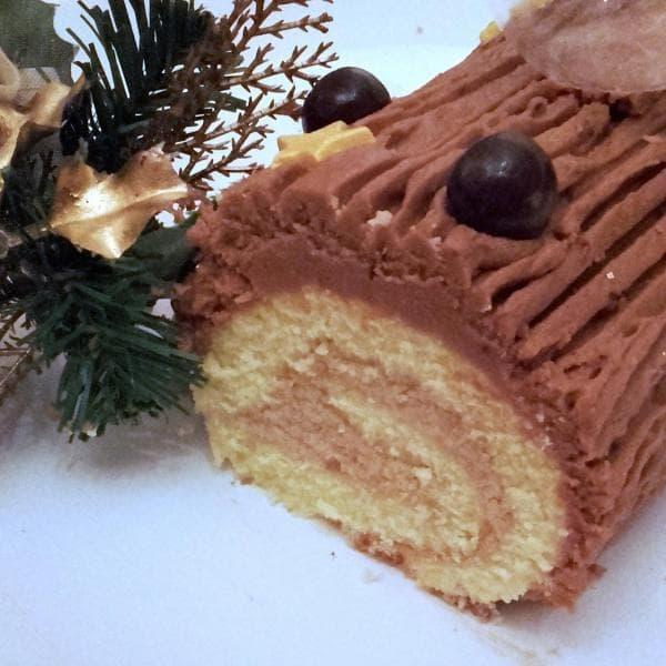Bûche de Noël coeur marron, glaçage chocolat