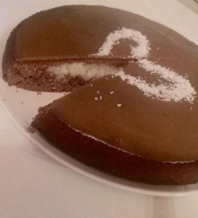 Moelleux au chocolat cœur coco nappage caramel
