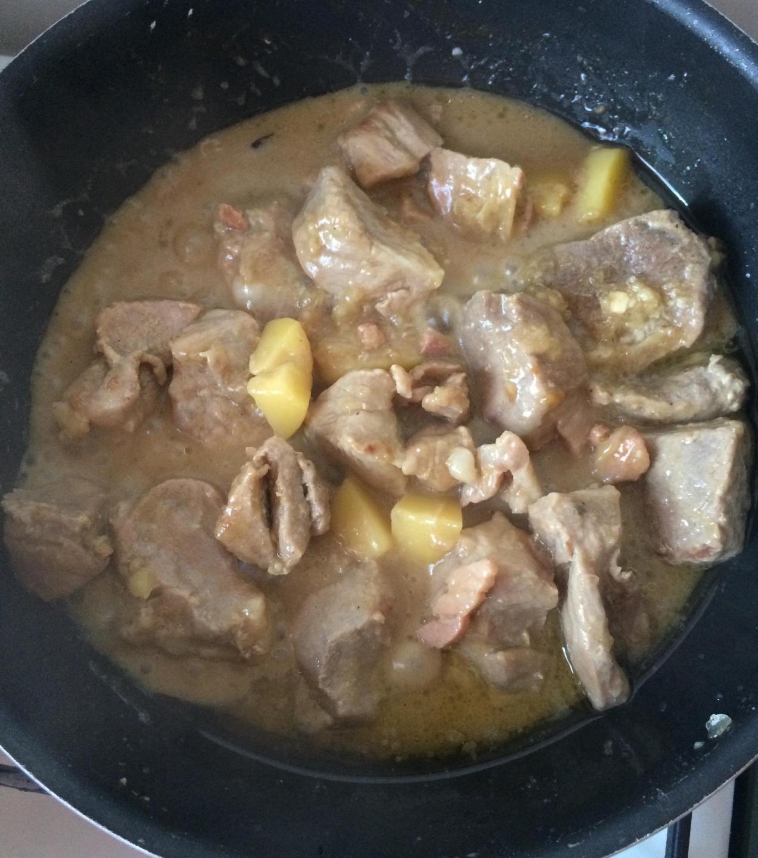 Sauté de porc au roquefort