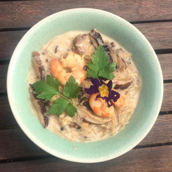 Soupe thaïlandaise lait de coco et crevettes