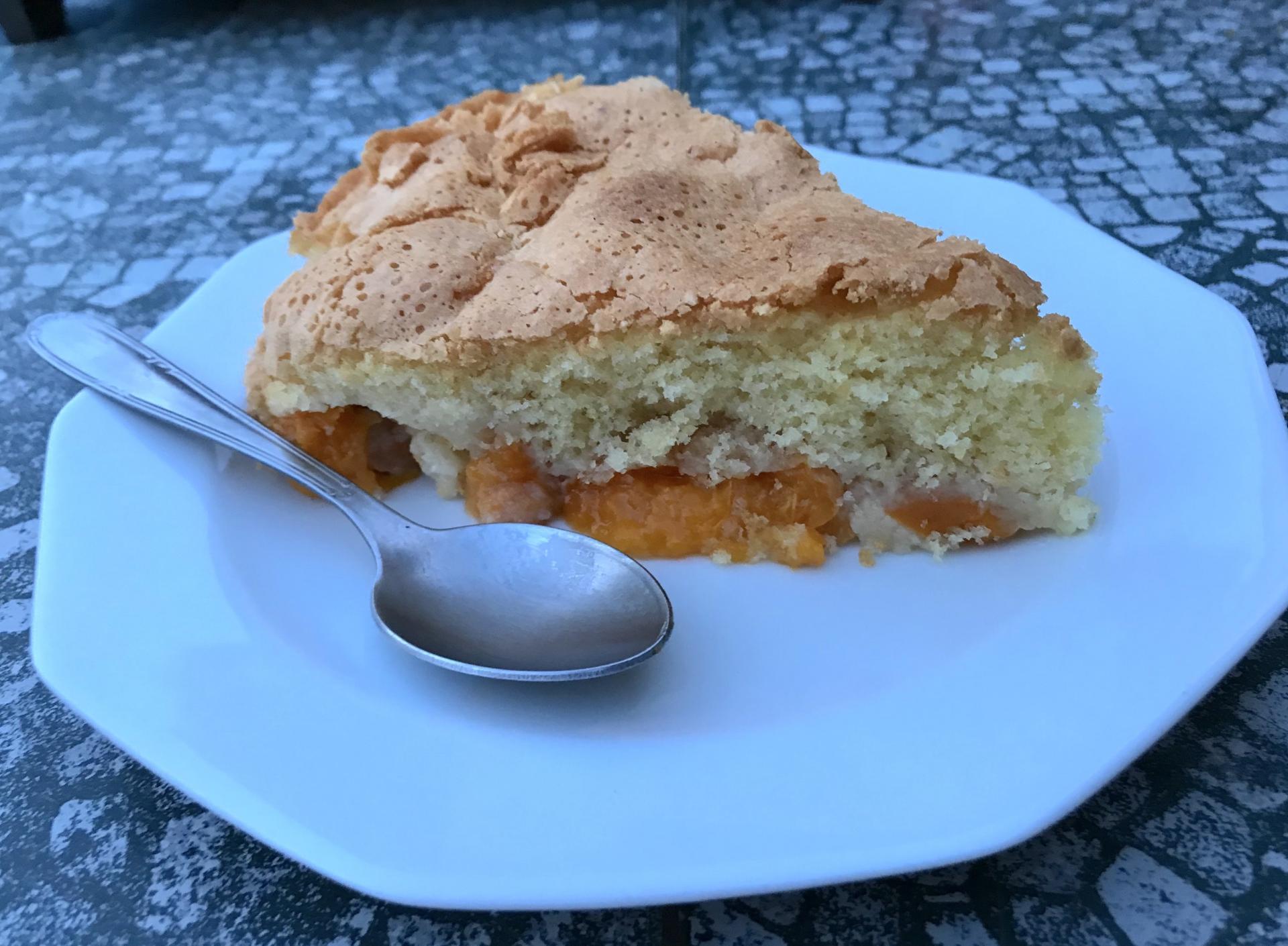 Gâteau aérien aux abricots
