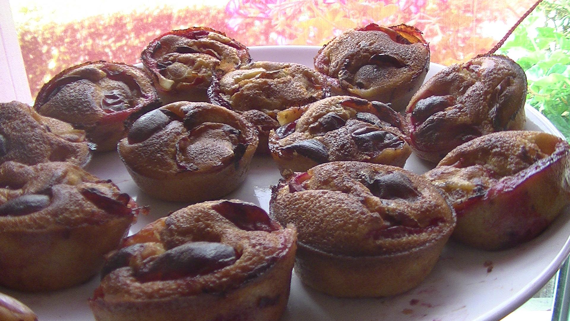 Muffins aux prunes rouges